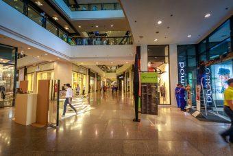 Innovare i negozi fisici: dagli store a tempo a quelli esperienziali, ecco come cambia il retail